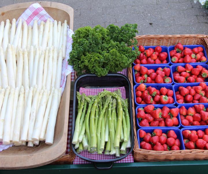 Erdbeeren, Himbeeren, Heidelbeeren, Spargel, Kartoffeln